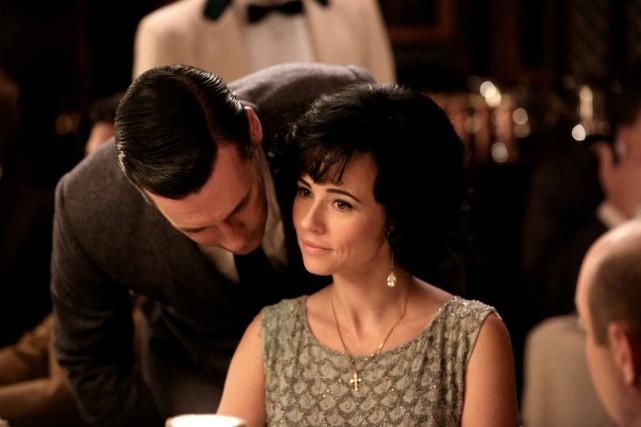 L'actrice Linda Cardellini aurait aimé conserver quelques tenues... (Photo AMC)