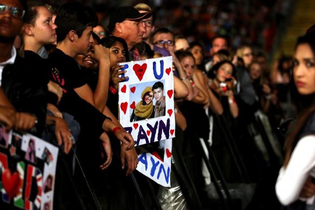 Des admirateurs ont dit craindre que le départ... (PHOTO AP)