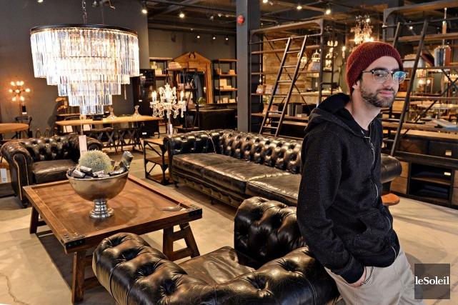 Boutique bois et cuir du mobilier industriel dans saint for Boutique meuble montreal