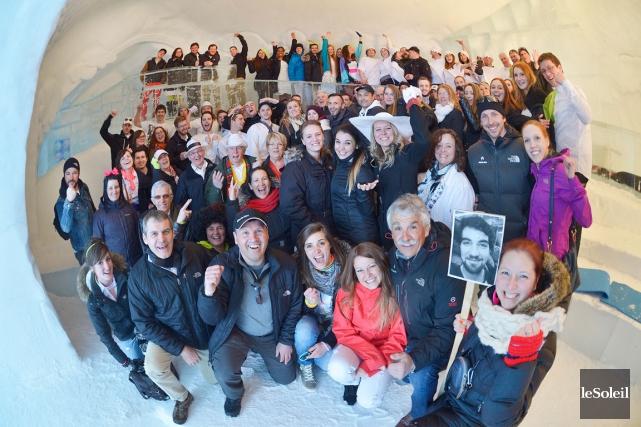 La joyeuse équipe de l'Hôtel de glace... (Le Soleil, Jean-Marie Villeneuve)