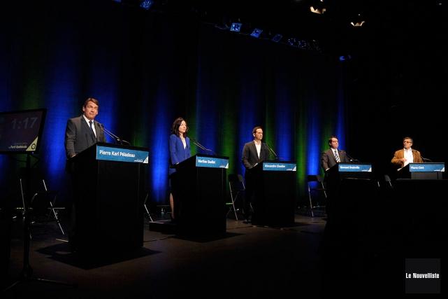 Les cinq candidats à la chefferie du Parti... (Photo Sylvain Mayer, Le Nouvelliste)