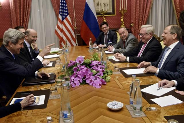 Une réunion de tous les protagonistes, les chefs... (Photo: Reuters)