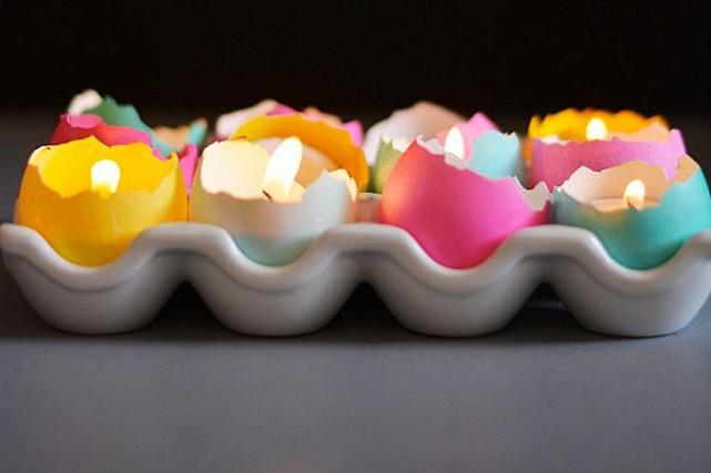 Des coquilles d'oeufs évidées accueillent de petites bougies.... (Photo tirée de littleinspiration.com)