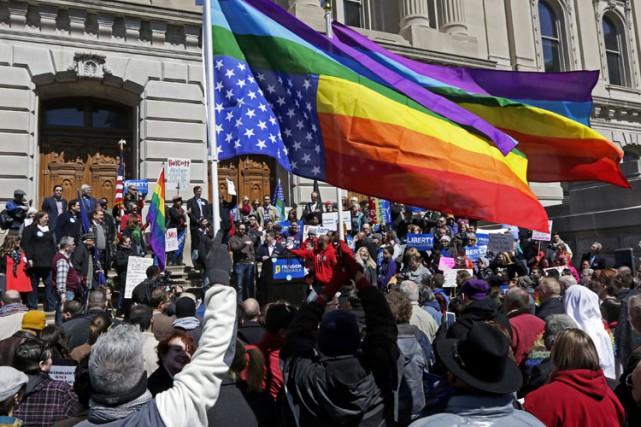 Des milliers de personnes ont manifesté samedi à... (Photo: Reuters)