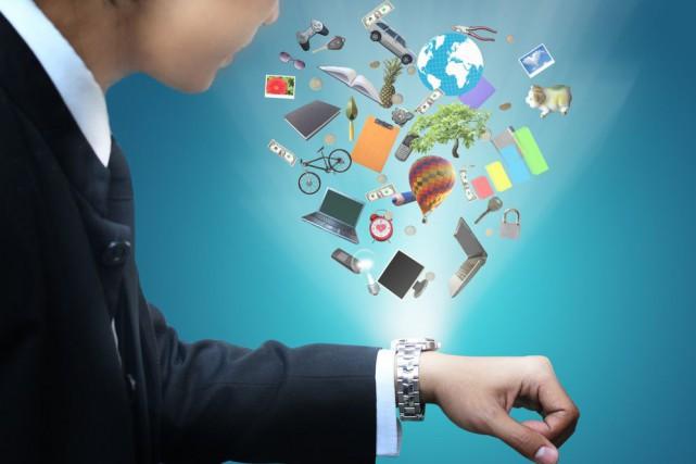 Plus de 45 millions d'accessoires vestimentaires électroniques devraient être... (Photo chanpipat/shutterstock.com)