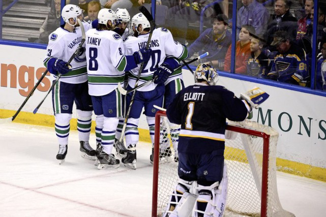 Radim Vrbata a fourni un but et une passe, lundi, aidant les Canucks de... (Photo: Reuters)