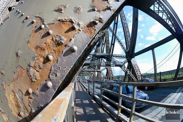 Le mauvais état du pont de Québec ne... (Photothèque Le Soleil, Jean-Marie Villeneuve)