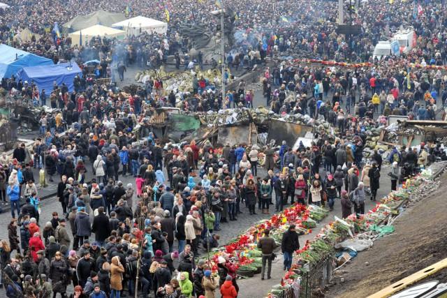 Les manifestants ont tenu tête au pouvoir pendant... (PHOTO GENYA SAVILOV, ARCHIVES AFP)