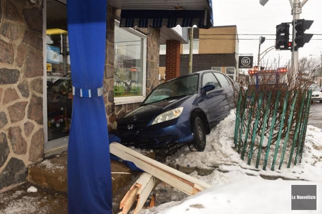 Un accident a causé plus de peur que de mal hier en fin d'après-midi, à... (Photo: François Gervais, Le Nouvelliste)