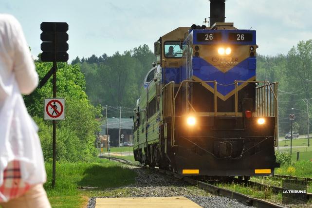 Les propriétaires de l'Orford Express sont prêts à céder leur train touristique... (Archives La Tribune, Jessica Garneau)