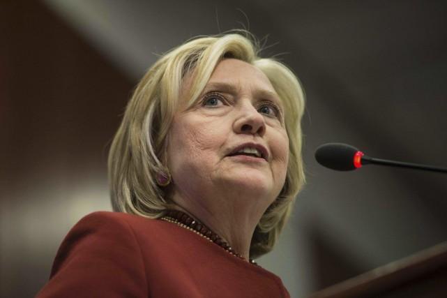 Hillary Clinton a reconnu avoir utilisé une seule... (PHOTO NICHOLAS KAMM, ARCHIVES AFP)