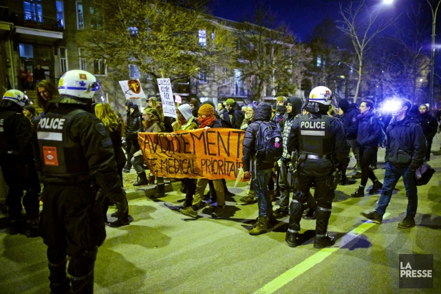 En fin de soirée, le SPVM a confirmé... (Photo André Pichette, La Presse)