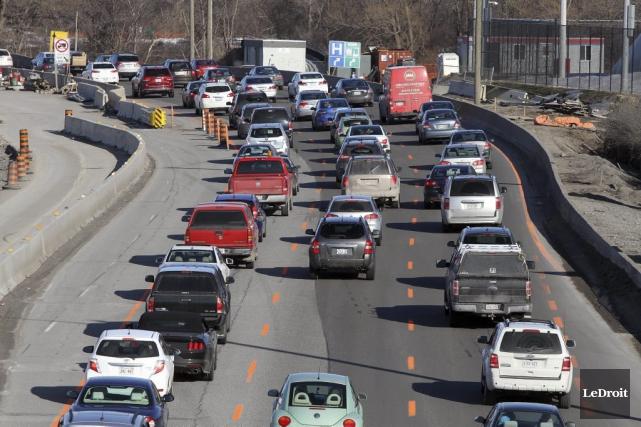 Les automobilistes d'Ottawa passeraient en moyenne 85 heures... (Étienne Ranger, LeDroit)
