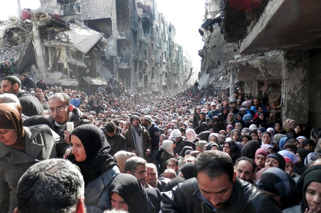 Les habitants du camp de Yarmouk souffrent de... (PHOTO ARCHIVES AP)