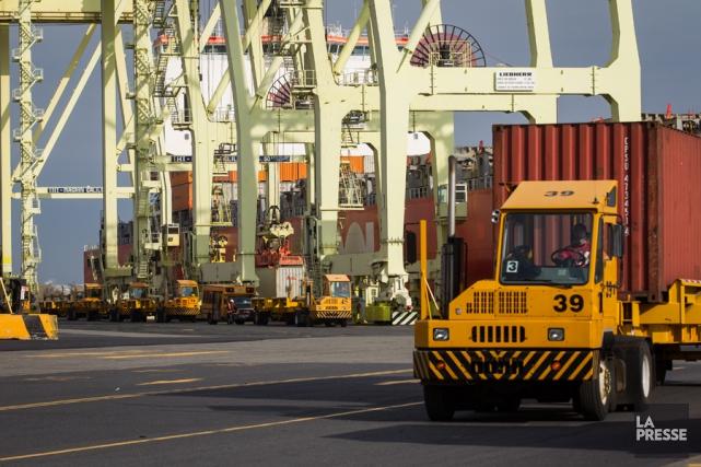 Le Port de Montréal a enregistré en 2014... (PHOTO OLIVIER PONTBRIAND, LA PRESSE)