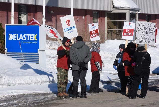 Le piquet de grève est maintenant en place... (Photo: François Gervais Le Nouvelliste)