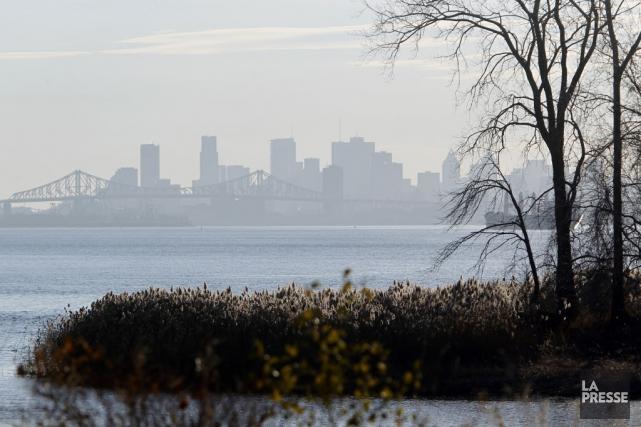 Montréal veut se débarrasser des foyers et poêles... (PHOTO MARTIN CHAMBERLAND, ARCHIVES LA PRESSE)