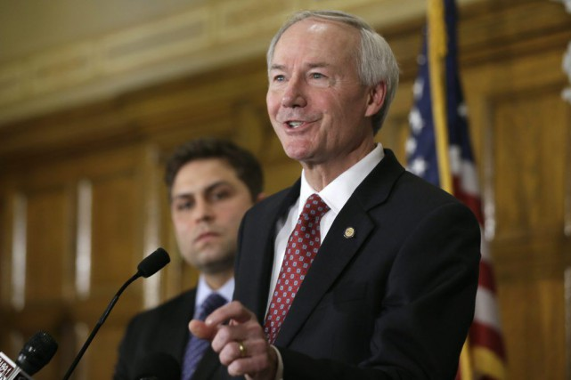 Le gouverneur de l'Arkansas, Asa Hutchinson.... (Photo Danny Johnston, AP)