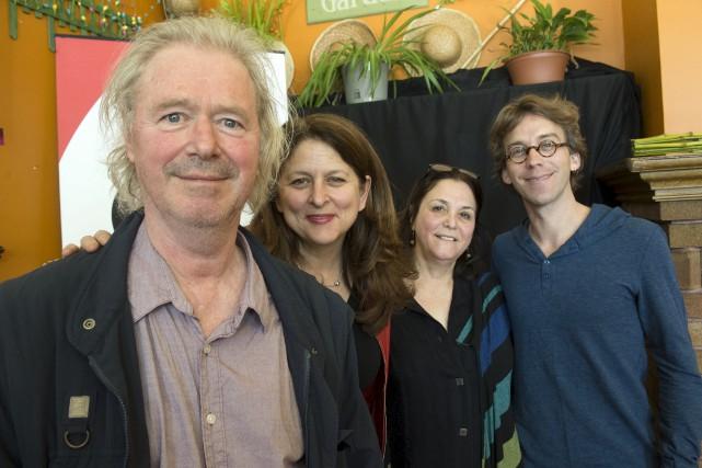 De gauche à droite: le conteur montréalais Yves... (Stéphane Lessard)