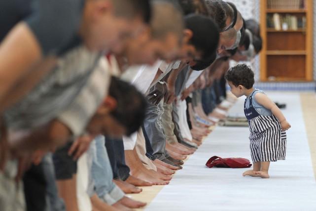 De la réflexion du politologue Ali Hanap («L'Islam usurpé par les djihadistes»,... (Photo Vincent Kessler, archives Reuters)
