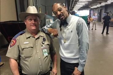 Un agent de la sûreté américain a été réprimandé pour s'être fait prendre en... (Photo: Instagram)