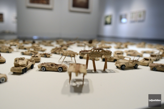 D'innombrables véhicules ont été confectionnés par Luce Pelletier... ((Photo Le Quotidien, Jeannot Lévesque))