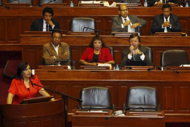 Plusieurs ministres gardent leurs portefeuilles au sein du... (Photo Giancarlo Shibayama/Diario El Comercio, Reuters)
