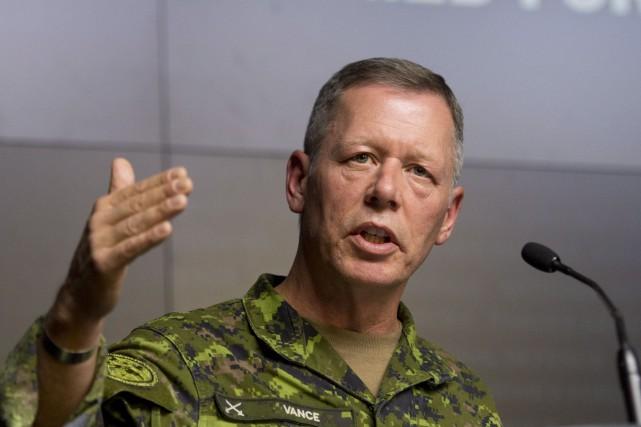 Selon certaines sources, le lieutenant-général Jonathan Vance, qui... (PHOTO ADRIAN WYLD, ARCHIVES LA PRESSE CANADIENNE)