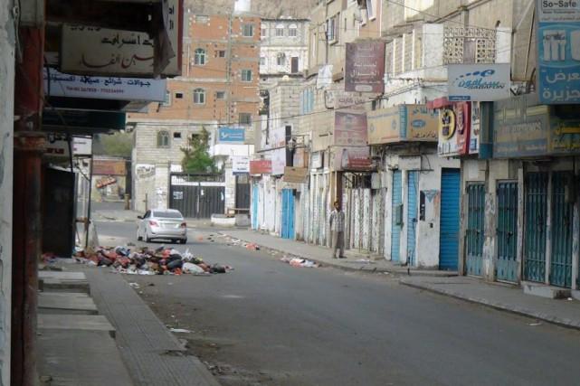 Les violences se sont intensifiées au Yémen depuis... (PHOTO SALEH AL-OBEIDI, AFP)