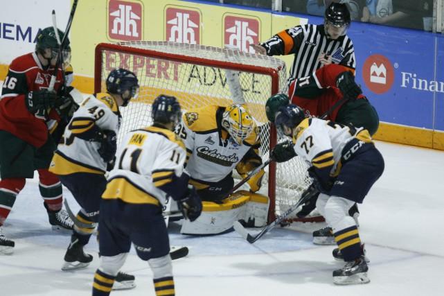 Les Cataractes sont dans le pétrin. Les Mooseheads ont pris l'avance 3-2 dans... (Photo: The Chronicle Herald)