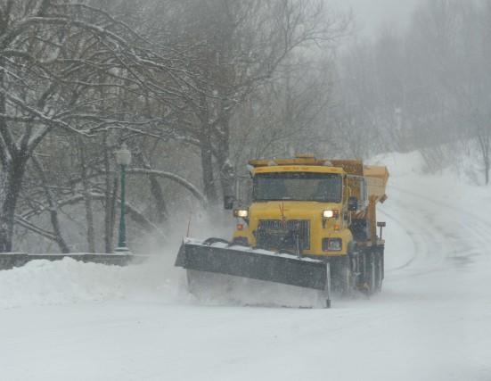 Les conditions routières sont particulièrement difficiles sur l'autoroute... (Photo: Sylvain Mayer)