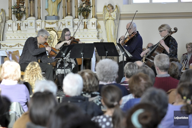 L'Ensemble Talisman a offert une interprétation sentie du... ((Photo Le Quotidien-Rocket Lavoie))