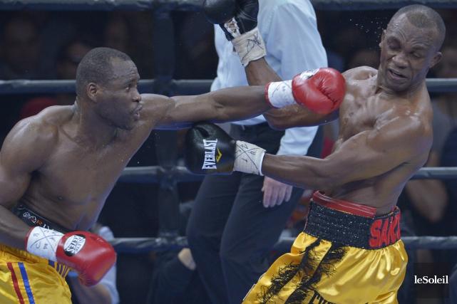 Adonis Stevenson a mérité une victoire par décision... (Photo Yan Doublet, Le Soleil)