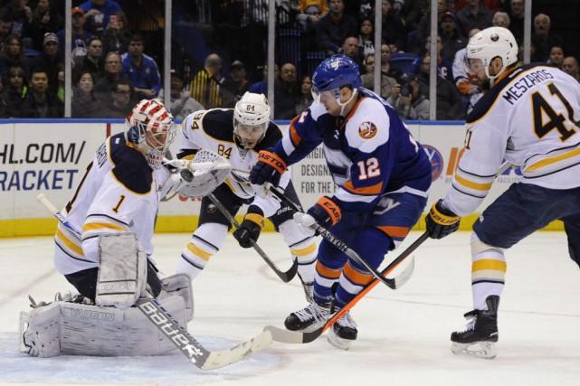 Avant les matchs de samedi, les Sabres occupaient... (Photo Kathy Kmonicek, AP)