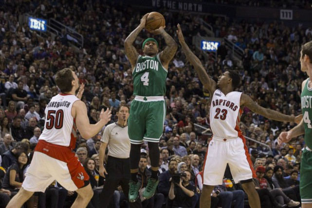 Isaiah Thomas a obtenu 25 points pour les... (Photo Chris Young, La Presse canadienne)