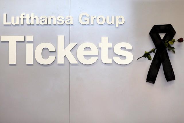 Lufthansa, maison mère de Germanwings, n'avait transmis «aucune... (PHOTO WOLFGANG RATTAY, REUTERS)