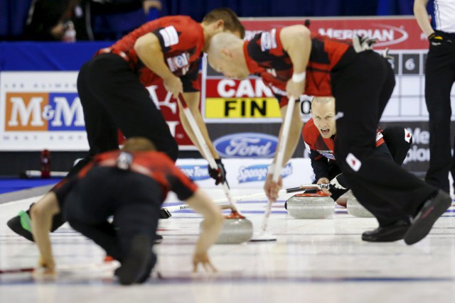 Pat Simmons, John Morris, Carter Rycroft et Nolan Thiessen... (PHOTO MARK BLINCH, REUTERS)