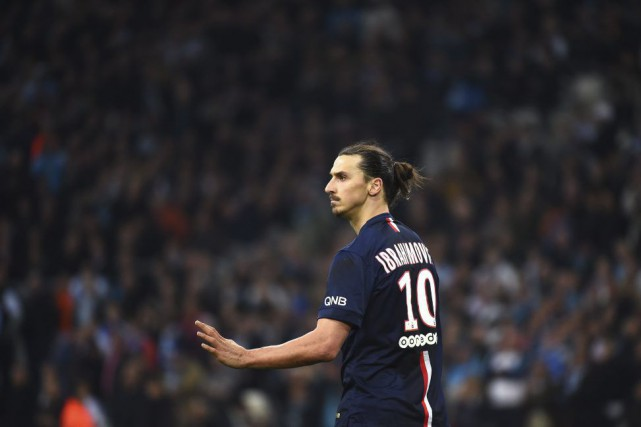 Zlatan Ibrahimovic... (PHOTO ANNE-CHRISTINE POUJOULAT, AFP)