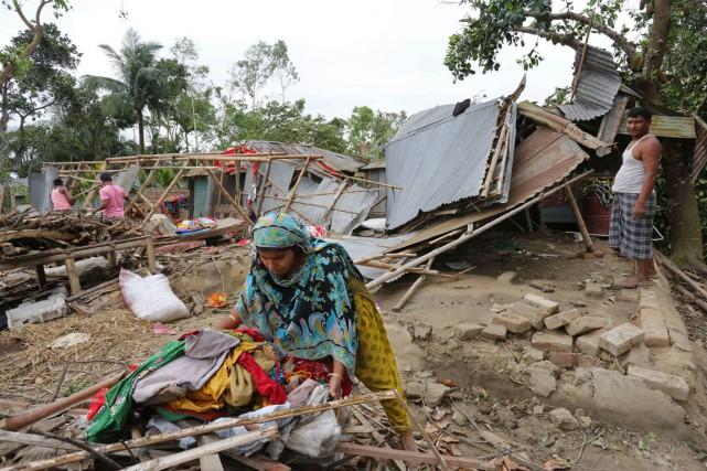 Dix-neuf personnes sont mortes dans le seul district... (PHOTO SHAFIQ ISLAMA, AFP)