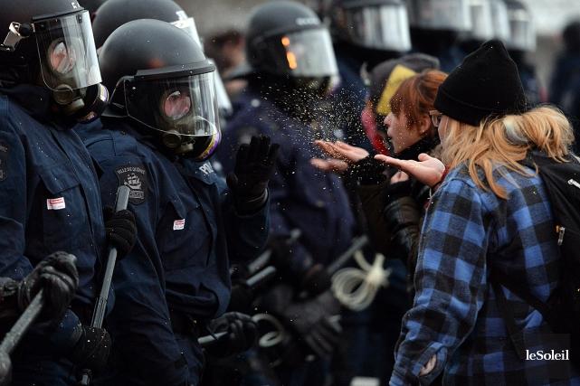 L'ASSÉ a tenu un rassemblement contre l'austérité devant... (Photo Erick Labbe, Le Soleil)