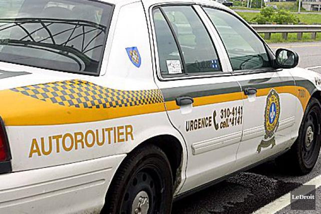 La Sûreté du Québec (SQ) a intercepté un véhicule qui filait à plus de 170... (ARCHIVES, LeDroit)