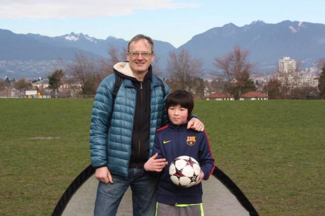 C'est à Vancouver qu'Alain Grenier, originaire de Beauport,... (PHOTO FOURNIE PAR LA FAMILLE)