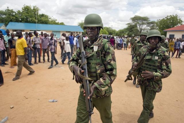 Des soldats kényans déployés près del'université de Garissa,... (Photo: AP)