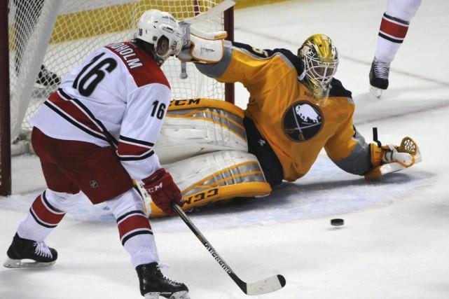 Tyler Ennis a signé son 20e but alors que les Sabres de Buffalo l'ont emporté... (Photo: AP)