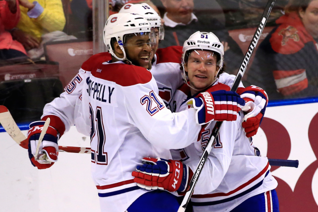 Devante Smith-Pelly (21) a inscrit son premier but... (Photo Robert Mayer, USA Today)