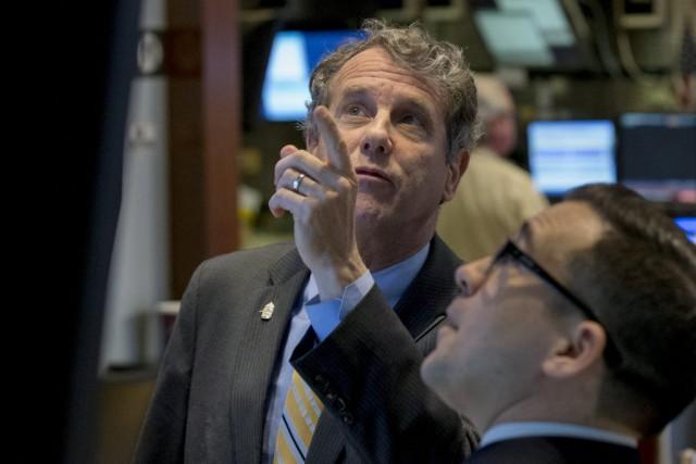 Wall Street s'est essoufflée mardi jusqu'à finir la séance en baisse: le Dow... (PHOTO BRENDAN MCDERMID, REUTERS)