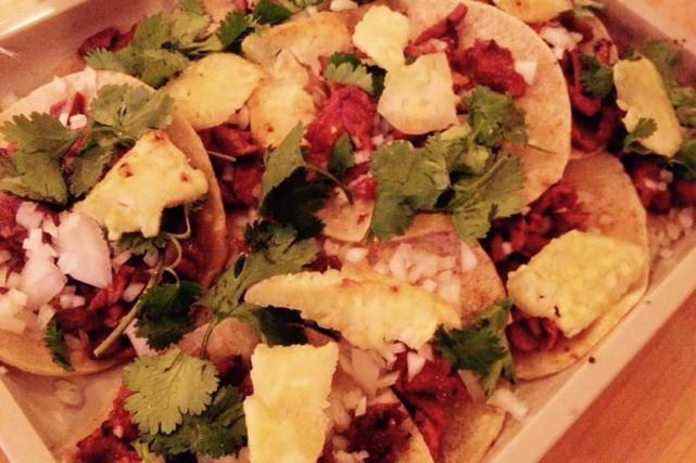 On y retrouve des tacos classiques (carnitas, al... (Photo tirée de Facebook)