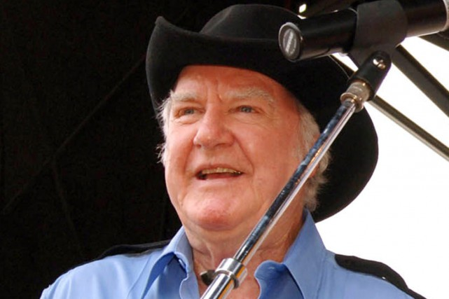 James Best lors d'un spectacle en 2005.... (Photo: archives AP)