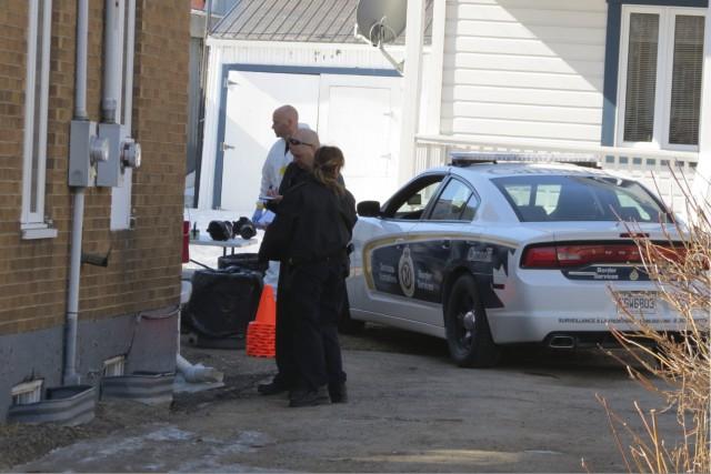 C'est tout un contingent de policiers, de douaniers... (PHOTO FOURNIE PAR CIHO-FM.COM)