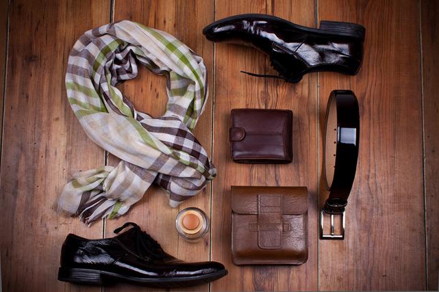 Les meilleurs sites Web de vêtements et accessoires pour hommes   Luxe baf5f0e6dd85